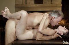 Porno Cu Bunicul Pervers Cu Pula Mare Si Groasa