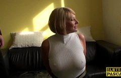 Film Porno Cu Babe Si Mosi Blonda Cu Tate Mari Fara Sutien I Se Vad Sfarcurile