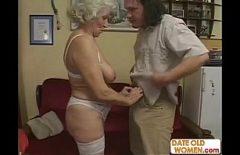 Romanca Batrana Face Filme Porno Cu Un Barbat Nespalat