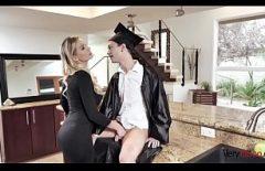 Filme Porno Xxx Cu Blonda Suge Ditamai Pula Studentului