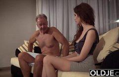 Filme Pornografice Cu Tanara Fututa De Un Mos