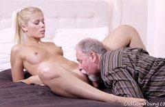Sex Cu Mos Care Da Limbi In Pizda Nepoatei