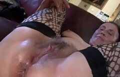 Clip Porno Cu Babuta Stirba In Gura Care Se Fute Ca O Nebuna